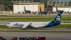 Alaska Airlines Boeing 737-990(ER)(WL) N280AK (MIDEXJET (Thank you for over 2 million views!)) Tags: milwaukee milwaukeewisconsin generalmitchellinternationalairport milwaukeemitchellinternationalairport kmke mke gmia flymke alaskaairlinesboeing737990erwln280ak alaskaairlines boeing737990erwl n280ak boeing737990 boeing737900 boeing737 boeing 737 737900 737990 flymkemkemkehomemkeplanespotter wisconsinplanespotter avgeekavphotographyaviationavaviationgeek aviationlifeaviationphotoaviationphotosaviationpicaviationpicsaviationpicturesplanespotterplanespottermke