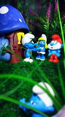 """Papa Smurf, I think you need to give Hefty a good Smurfing to about his behaviour"" (custombase) Tags: schleich smurfs figures hefty brainy papasmurf smurfette mushroomhouse village toyphotography"