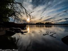 Sonnenuntergang am Läen 082019 01 (U. Heinze) Tags: schweden sverige sweden smaland olympus omd em1markii panasonic 818mm wasser see lake landschaft himmel sky sonnenuntergang