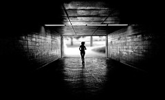 run away (O.Krüger) Tags: hannover deutschland germany niedersachsen tube tunnel unterführung silhouette streetphotography sw schwarzweis socialdocumentary streetlife bw bianconero blackwhite monochrom peopleinthecity personen urban urbanexploration woman frau gegenlicht backlight streetpassionaward