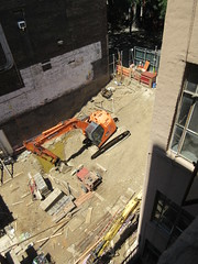 Building Construction Parking Lot Space 350 and 352 on 45th St 3879 (Brechtbug) Tags: parking lot space 350 352 now be building 2019 midtown manhattan 45th street near times square nyc 06042019 new york city cube architecture traffic transit car cars auto lots steel beams beam red brick wall green shed park brownstone 1920s apts apartment house apartments construction fence july 4th holiday