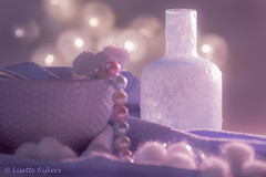 Still life in pastel (Lisette-R Art & more ♥) Tags: roze pink pastel zacht soft stilleven stilllife smileonsaturday prettyinpastel art kunst bokeh backlight tegenlicht homemadeart tabletopphotography lila purple bottle fles paars lilac home