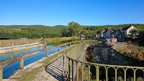 Pont-Canal. Canal de Bourgogne / Ouche.