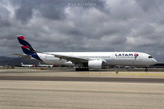 Airbus A350-941 A7-AMB Qatar Airways (msd_aviation) Tags: a350 a350900 qatar qatarairways latam bcn lebl barcelona barcelonaairport opendaybcn19 aviation