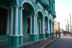CUBA, 2019 (ale66lo) Tags: cuba centro america c caraibi impara la pronuncia caribbean canon eos santa clara verde green colonne portici piazza plaza parque vidal