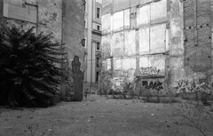 190906_VLC_020 (Stefano Sbaccanti) Tags: valencia spain spagna españa stefanosbaccanti minox35gl kentmere400 rondinax35e 2019 analogico analogue analogicait blackandwhite bianconero blancoynegro graffiti artecallejera