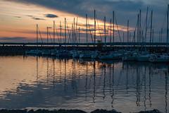 Tous rentrés au port (papillon461) Tags: couchersoleil paix ciel voilier port marina