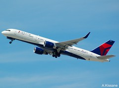 DELTA B757 N6701 (Adrian.Kissane) Tags: airline airliner jet plane aircraft aeroplane 757 boeing aviation flight flying la departing sky outdoors 30187 1942016 n6701 b757 lax delta