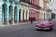 CUBA, 2019 (ale66lo) Tags: cuba centro america c caraibi impara la pronuncia caribbean canon eos avana havava habana automobile auto car colors colonne portici