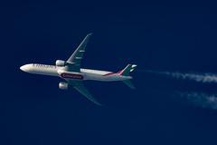 Emirate Boeing 777-36N(ER) A6-EBQ (Thames Air) Tags: emirate boeing 77736ner a6ebq contrails contrailspotting