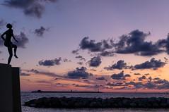 Leghorn Dusk (Luna y Valencia) Tags: crepuscolo livorno dusk scogliodelleregina lungomare