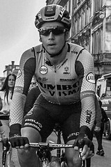 Heading to the line. (T-Fur Tommy) Tags: tourofbritain ovo