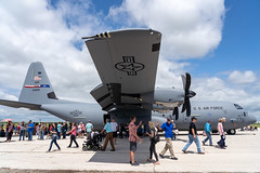 Lockheed C-130 Hercules (joncutrer) Tags: abilene abilenetexas texas travel tourism flight airplane airshow airfest airfest2019 dyess bigcountry aviation airplanes military usaf c130 hercules lockheed wing giant usairforce gray aircraft