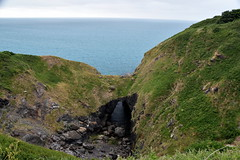 Devil's Frying Pan (Bangkok Bloke 2018) Tags: cornwall coast cornwallcoast cliffs countryside coastline july sunny cloudy southwestcoastpath lizard coverack