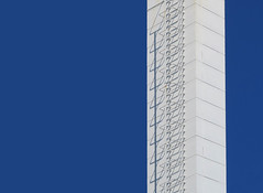 Climbing (YIP2) Tags: warmtekrachtcentrale architecture architect delft heatandpowerplant building white facade abstract minimal minimalism simple less line linea detail pattern lines geometry design repetition blue contrast climbing stairs