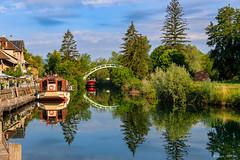 Reflets  (Savoie 07/2019) (gerardcarron) Tags: bateaux canalsavières canoneos80d eau lacbourget savoie chanaz