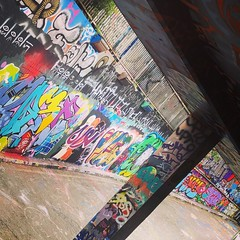 Grafitti alley (vapour trail) Tags: grafitti art paint spray wall southwark tunnel london