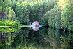 Reflections on Loch Faar (Ally.Kemp) Tags: loch faar boat house boathouse invernessshire scottish scotland highlands reflections water fishing