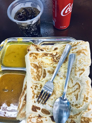 Stopped off for a quick prata after my haircut. Satiating a Sunday night craving in Singapore. It was perfect: