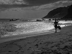 Afternoon Surf (Fiona Katarina) Tags: beach sunset newengland rhodeisland getolympus olympus seashore surf sand waves sunlight beachscape blockisland fkimages blackwhite bw monochrome shore sea ocean water