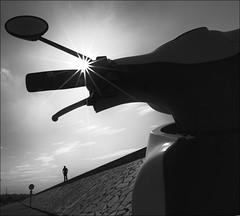 F_MG_5778-BW-Canon 6DII-Canon 16-35mm-May Lee 廖藹淳 (May-margy) Tags: maymargy bw 黑白 人像 背影 摩托車 逆光 星芒 海堤 電線桿 街拍 線條造型與光影 天馬行空鏡頭的異想世界 心象意象與影像 台灣攝影師 金門縣 台灣 中華民國 fmg5778bwportraitviewfrombackbacklightingsilhouette剪影motorcyclesunglareseaembankmentstreetviewphotographylines formsandlightandshadownaturalcoincidencethrumylenstaiwanphotographerkinmencountytaiwanrepofchinacanon6diicanon1635mmmaylee廖藹淳