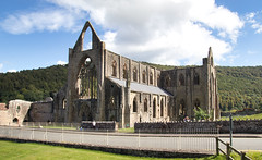 IMG_0403 (adgephoto01) Tags: tintern abbey