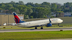 Delta Air Lines Boeing 737-932(ER)(WL) N887DN (MIDEXJET (Thank you for over 2 million views!)) Tags: milwaukee milwaukeewisconsin generalmitchellinternationalairport milwaukeemitchellinternationalairport kmke mke gmia flymke deltaairlinesboeing737932erwln887dn deltaairlines boeing737932erwl n887dn boeing737932 boeing737900 boeing737 boeing 737 737900 932 flymkemkemkehomemkeplanespotter wisconsinplanespotter avgeekavphotographyaviationavaviationgeek aviationlifeaviationphotoaviationphotosaviationpicaviationpicsaviationpicturesplanespotterplanespottermke