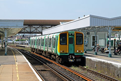 313208 Hove (CD Sansome) Tags: coastway line train trains southern rail gtr tsgn govia thameslink railway 313 west hove station brighton 313208