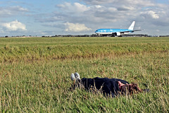 Amsterdam Schiphol Airport: Lying in the grass near airplanes in Take Off (Gregory Cocco) Tags: schiphol amsterdam klm boeing 737 airbus airport taxiway runway takeoff taxi grass vegetation holland netherlands clouds autumn summer relax lying down green colors blue trees snapshot flight airline company 100 gregory saschia adventure amazing cocco spotters spotter enjoy