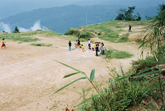 Athletics at 2000 meters (Dare to share) Tags: india westbengal sonada darjeeling asia tibetan himalaya sports school children athletics trackandfield jonasthoren