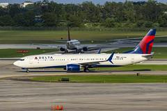 Delta Air Lines Boeing 737-932(ER)(WL) N871DN (MIDEXJET (Thank you for over 2 million views!)) Tags: milwaukee milwaukeewisconsin generalmitchellinternationalairport milwaukeemitchellinternationalairport kmke mke gmia flymke deltaairlinesboeing737932erwln887dn deltaairlines boeing737932erwl n887dn boeing737932 boeing737900 boeing737 boeing 737 737900 737932 n871dn deltaairlinesboeing737932erwln871dn flymkemkemkehomemkeplanespotter wisconsinplanespotter avgeekavphotographyaviationavaviationgeek aviationlifeaviationphotoaviationphotosaviationpicaviationpicsaviationpicturesplanespotterplanespottermke