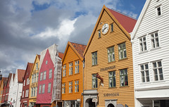 3pm @ Bergen Norway (Adam Swaine) Tags: bryggen bergen norway norwegian scandanavia buildings historicalbuildings harbours tourism canon travel adamswaine 2019 coastal fjords north country beautiful cities wharf visitnorway