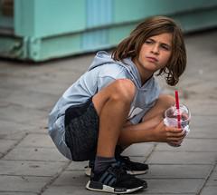 C'est quoi au juste? (maoby) Tags: nikon d500 rue street ville city montréal garçon boy kid children child funny