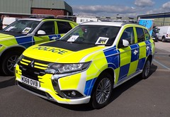 6519 - Mitsubishi Outlander PHEV Police Demo - WO68 OVB - 101_3947 (Call the Cops 999) Tags: uk gb united kingdom great britain england 999 112 emergency service services vehicle vehicles 101 police policing constabulary law and order enforcement 4x4 mitsubishi outlander phev demonstrator wo68 ovb battenburg livery lightbar staffordshire headquarters hq open day sunday 8 september 2019