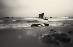. (marian ortega) Tags: latierraunparaiso marina cantábrico asturias largaexposición paisajepuro escaladegrises mar bn