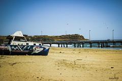 El viejo barco de Los Organos (Gaby Fil Φ) Tags: piura perú talara losorganos playalosorganos oceánopacífico nortedeperú costanortedeperú costaperuana costanortedelperú playas playasdeperú playasperuanas playasdelnortedeperú sudamérica latinoamérica barcos