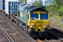 Freightliner - 66541 (Signal Box - Railway photography) Tags: outdoor railway railroad uk mainline freight train freightliner class66 66541 diesel locomotive wortingjunction hampshire railfreight