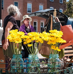 Flea Market (Dalliance with Light (Andy Farmer)) Tags: easternstatepenitentiary fleamarket street flowers philadelphia philly pennsylvania unitedstatesofamerica