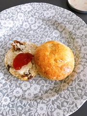 Fig scone (Gazz'n'Sho) Tags: scone scones tea afternoon cake pudding british english culture unicorn bakery fair uk england tokyo nihonbashi mitsukoshi exhibition japan departmentstore