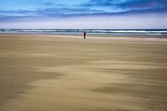 Minimalist Photography (TCeMedia/Telecide) Tags: ocean beach sea water pacific sky waves surf clouds sand newport oregon agate