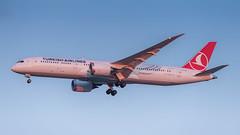 TC-LLB (gankp) Tags: tcllb turkish boeing 7879 dreamliner washingtondullesinternationalairport