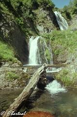 Saut deth Pish in film, Val d'Aran (Frankymiller) Tags: 35mm fujisuperia200 landscape minolta28mmf28 minoltadynax600si pirineos sautdethpish valdaran analog analogico color film filmlover