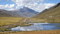 A place for trains like no others (Chemose) Tags: sony ilce7m2 alpha7ii mai may pérou peru coldelaraya rayapass montagne mountain andes paysage voieferrée railway lac lake altiplano