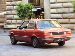 bmw 316 (wojciech.gilewski1) Tags: bmw orange car town italy street auto