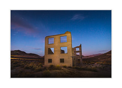 RUIN (andreassofus) Tags: ruin abandoned building deathvalley nevada ghosttown rhyolite night nightsky stars starphotography sky light nighttime usa america summer summertime travel travelphotography nature landscape grandlandscape mountains mountainscape