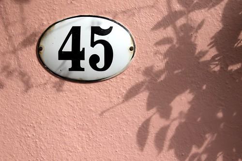 45_Sign_102_e
