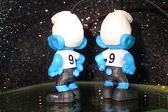 Twin smurfs number nine  HMM ! (libra1054) Tags: macromondays nine schlümpfe smurfs pitufos schtroumpfs puffi smurfen