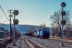 The Hazleton Man (douglilly) Tags: conrail allentown sw1500