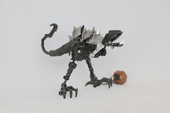 Rappi (Ron Folkers) Tags: lego bionicle technic moc chain ball black silver brown armor dino raptor