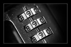 Macro Mondays - Nine (frankvanroon) Tags: macromondays nine lock bw mm hmm